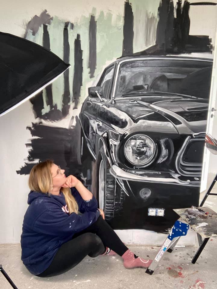 New artist with vintage cars paintings collection!